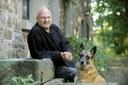 Marc Halévy (photo avec son chien)